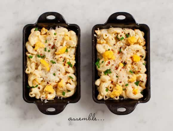 cauliflower mac and cheese (vegan and gf options) / loveandlemons.com