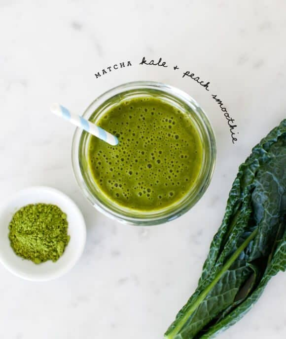 matcha kale and peach smoothies / @loveandlemons