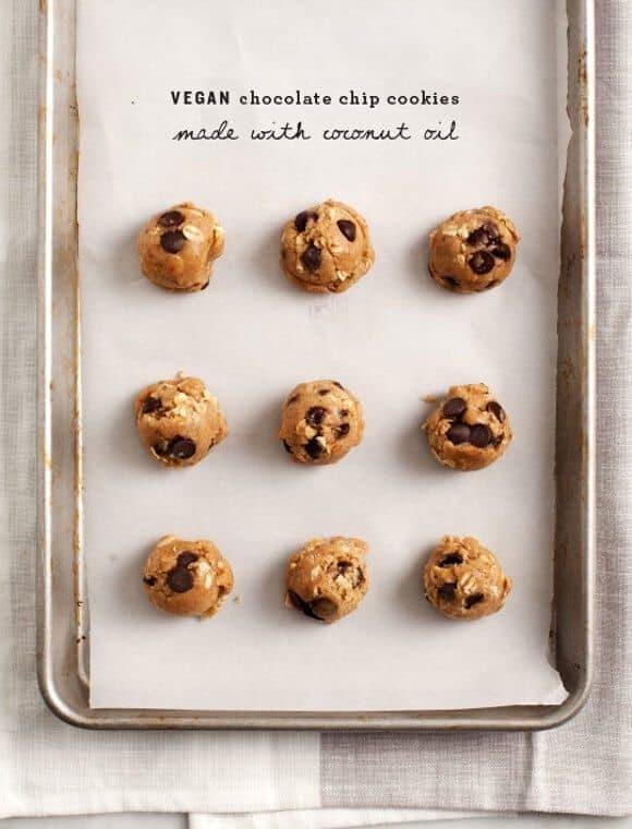 Vegan Chocolate Chip Cookies / loveandlemons.com