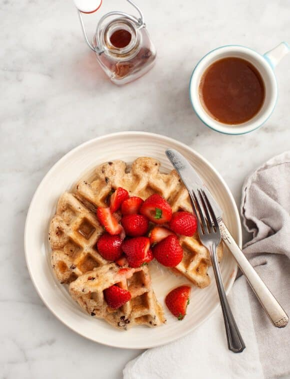 Cacao Nib & Strawberry Vegan Waffles / loveandlemons.com
