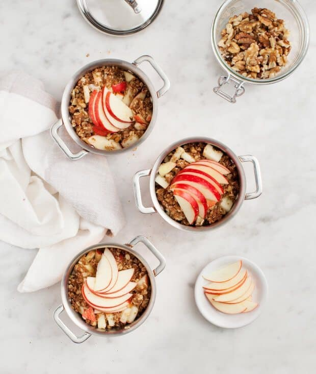 Easy Vegan Apple Crisp / loveandlemons.com