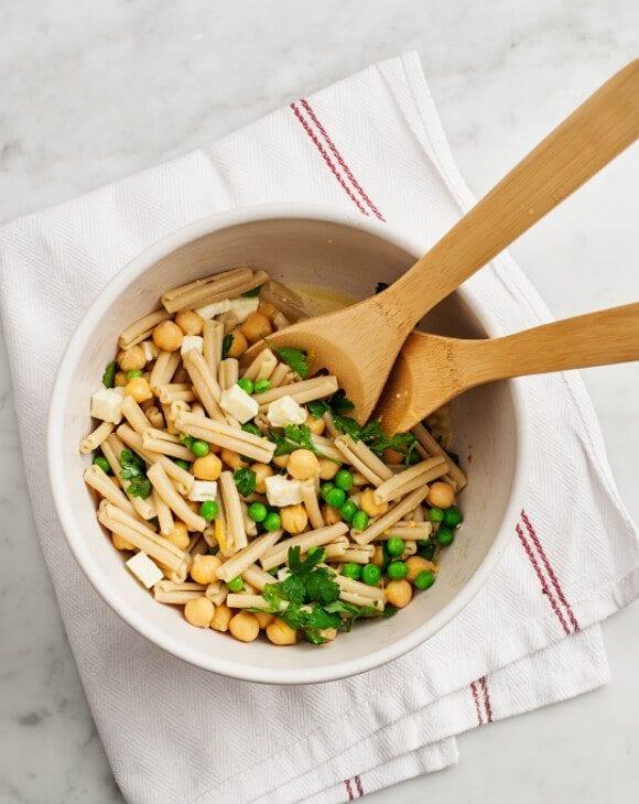 pea & chickpea pasta salad / loveandlemons.com