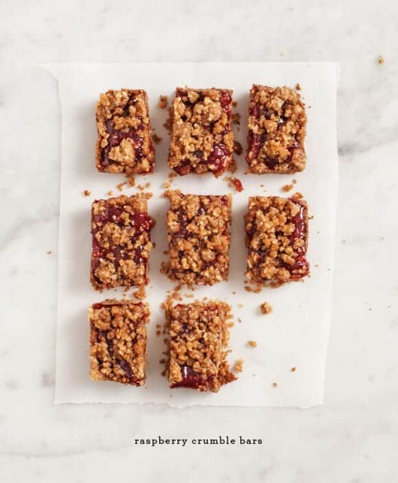 raspberry crumble bars (vegan) / loveandlemons.com