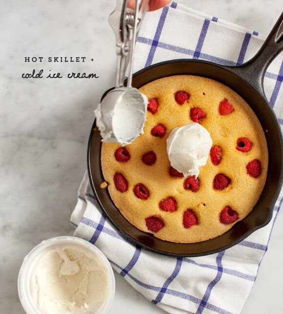 raspberry polenta cake (vegan) / loveandlemons.com