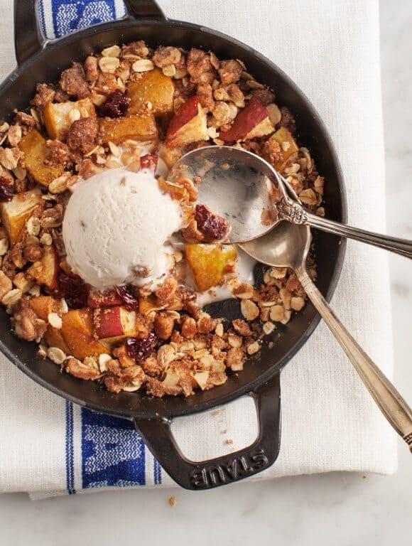 Walnut Pear Crisp / @loveandlemons #vegan #glutenfree