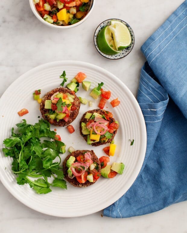 Heirloom Tomato & Mango Pico de Gallo / loveandlemons.com