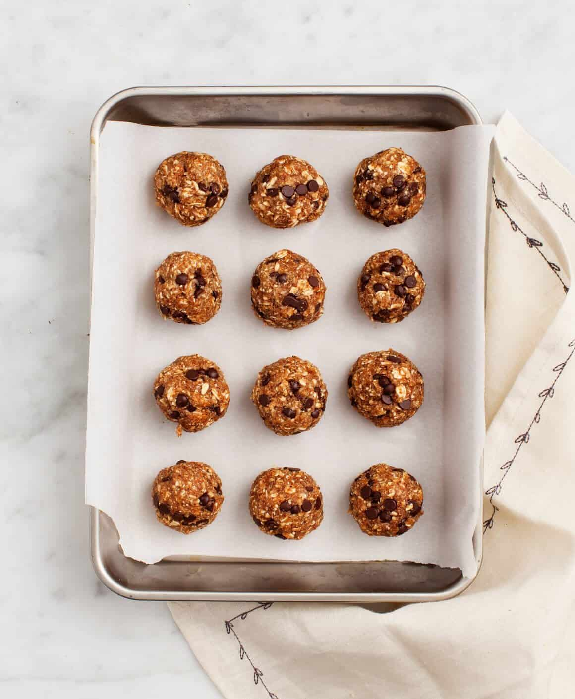 No-Bake Almond Butter Oatmeal Bites