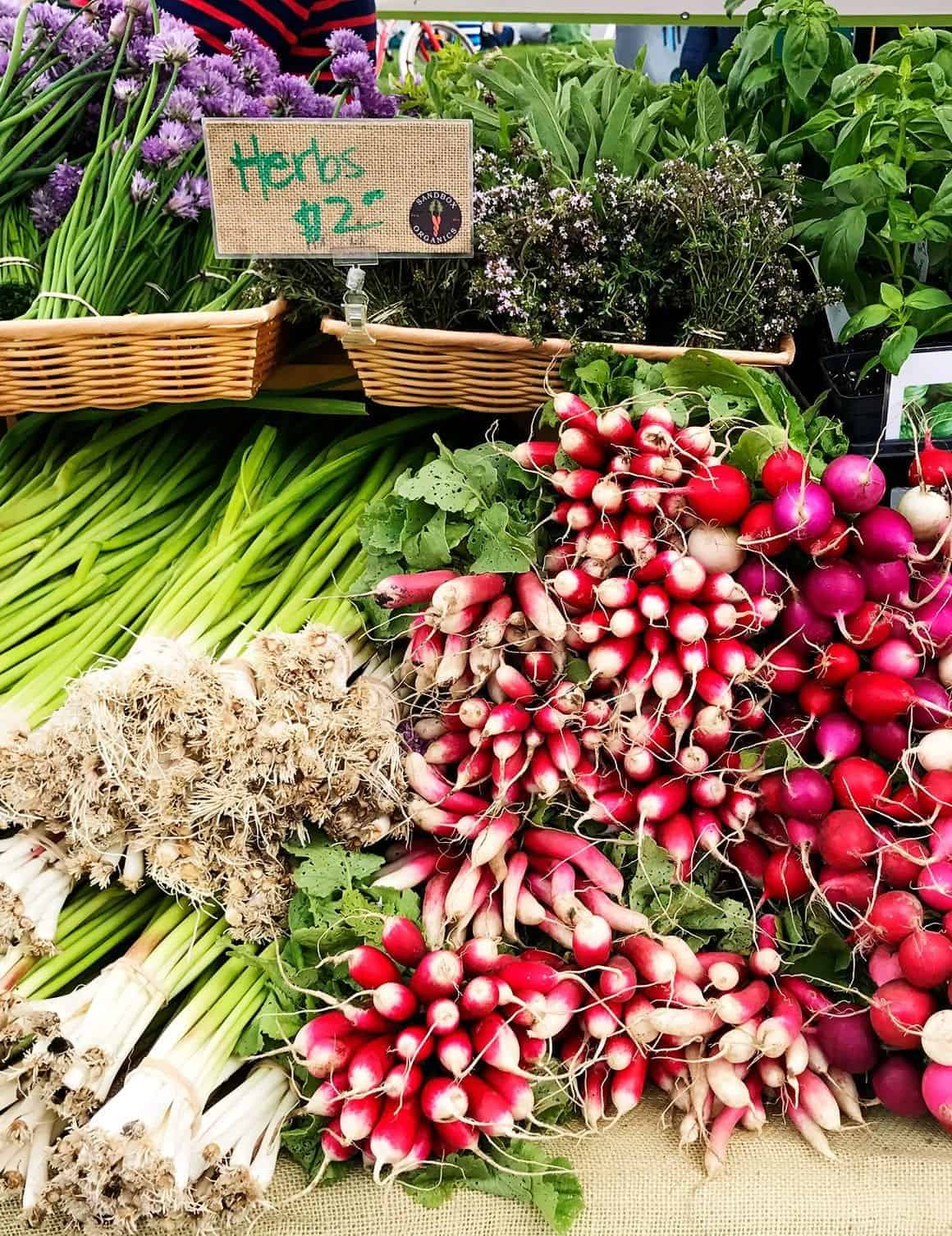 How to Shop the Farmers Market for Dinner